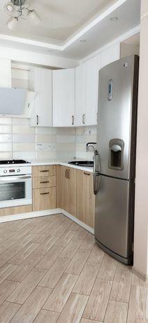 Терміново Продам трьох кімнатну квартиру в Рованцях з міні гаражом