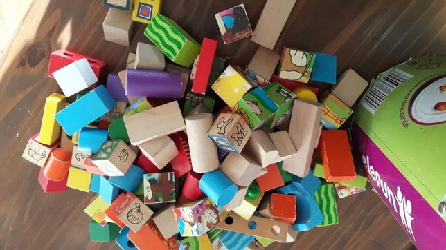 Klocki drewniane z literkami edukacyjne