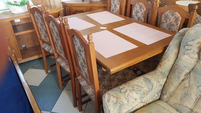 Stół dębowy rozkładany z krzesłami