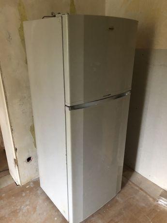 Холодильник под ремонт