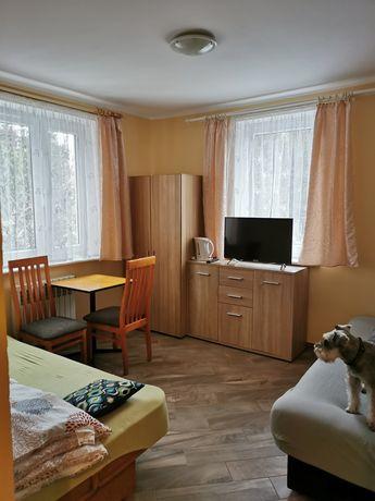 Pokoje kwatery całoroczne z łazienkami dla pracowników Grzybowo