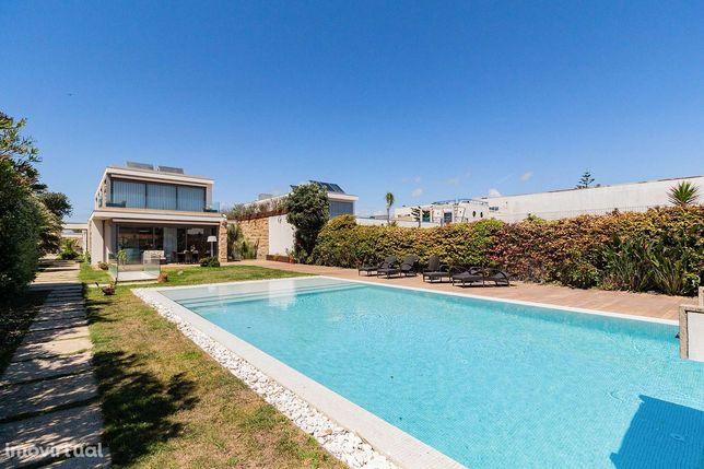 Moradia T5 com jardim e piscina em Gulpilhares, Vila Nova de Gaia
