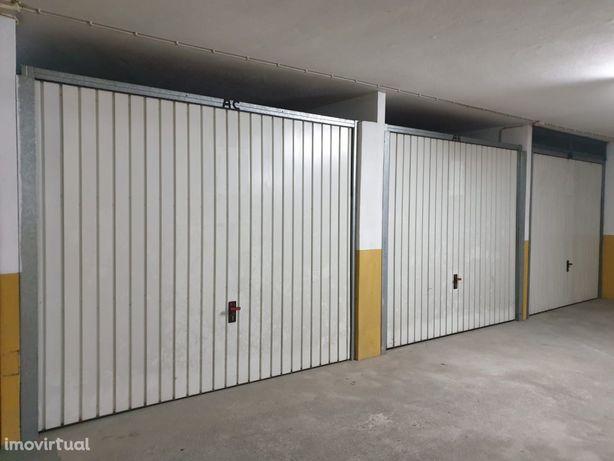 Garagens Fechadas para Venda (RESERVADO)