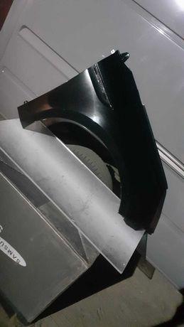 Renault Megane IV blotnik prawy przod