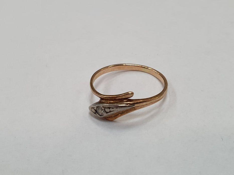 Klasyczny złoty pierścionek damski/ 585/ 1.75 gram/ R15/ Retro Gdynia - image 1