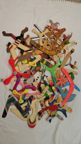 Bumerang drewniany oraz plastikowy