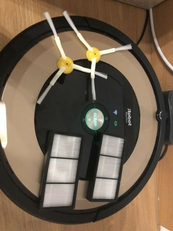 iRobot Roomba 895 - robot sprzątający / odkurzacz
