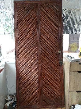 Деревяная дверь!!!