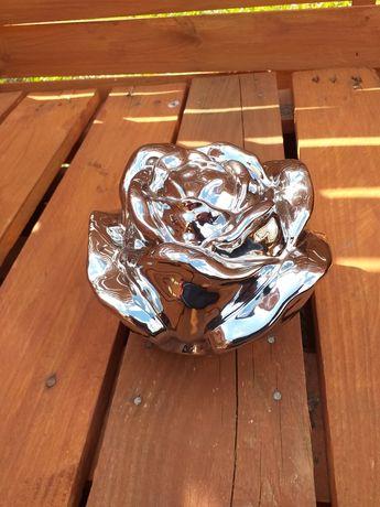 Róża - figurka
