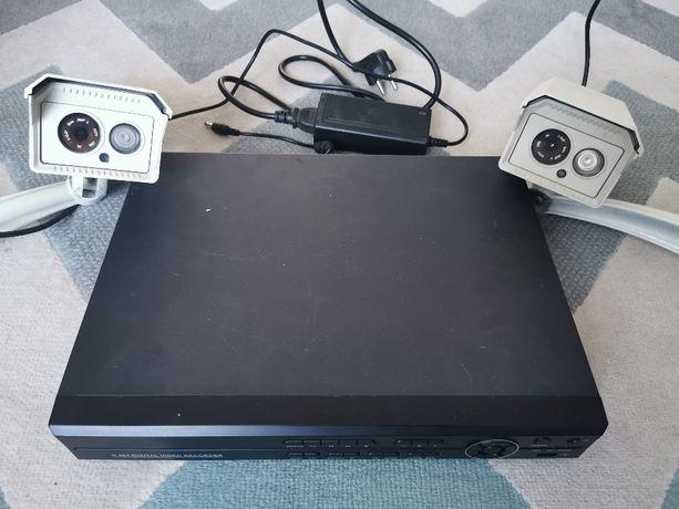 Zestaw 2 kamer do monitoringu z rejestratorem i myszką