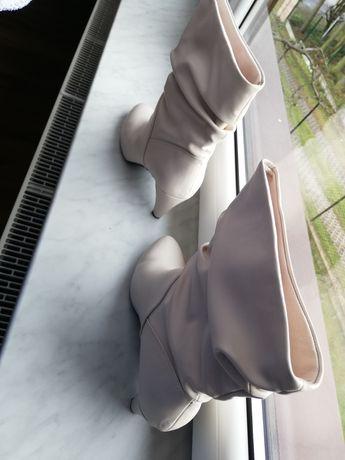 Białe buty na ślub/wesele