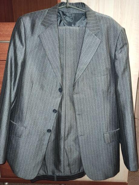 Мужской классический костюм (подойдёт для выпускника)