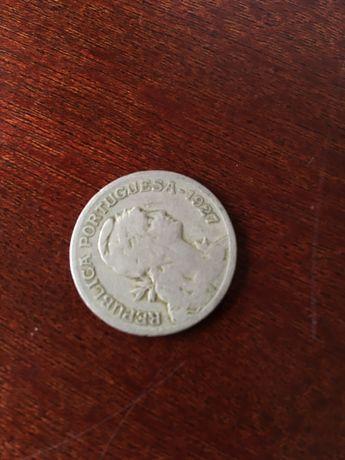 Moeda valiosa de alpaca de 1 escudo de 1927
