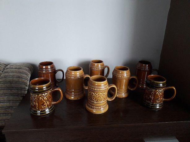 Zestaw 8 kufli z ceramiki
