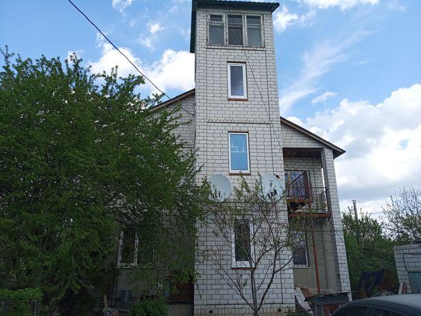 Продам дом в центре Мерефы.