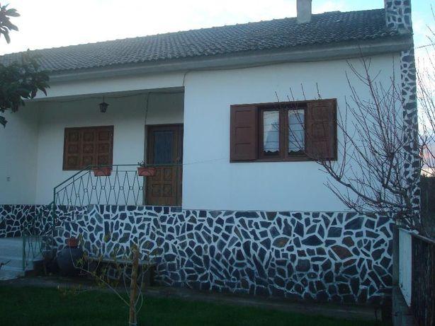 Moradia T4 Quintinha em Vilarandelo-Valpaços