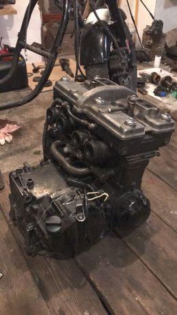 Silnik Kawasaki GPX 600R