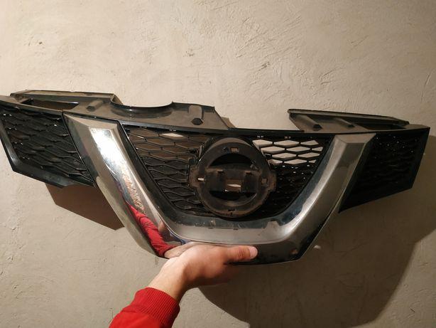 Продам решітку радіатора Ніссан Рог Nissan Rogue