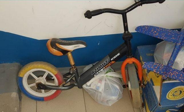 Продам беговел-велобег