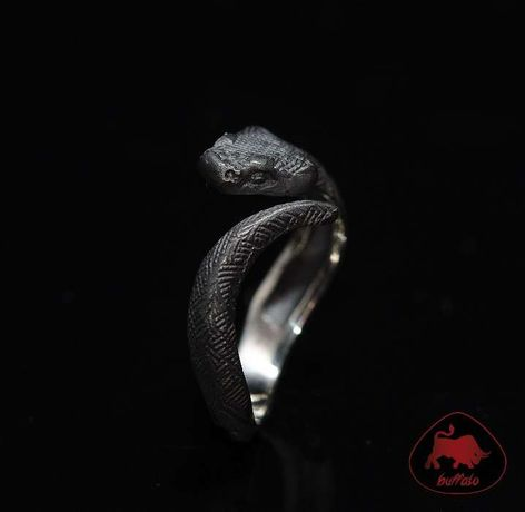 "Серебряное кольцо "" Черная змея"" (черненое серебро)"