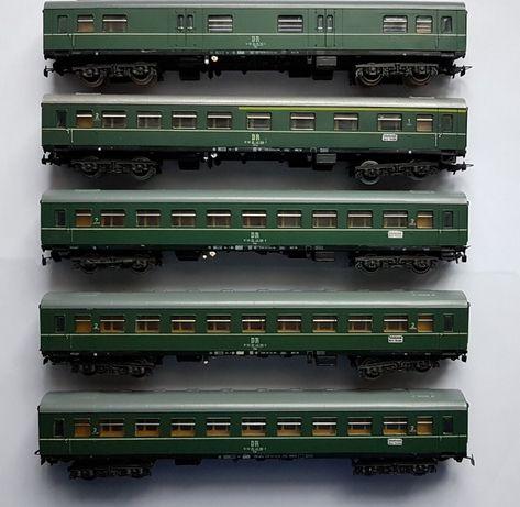 4 Wagony osobowe i bagażowy DR H0