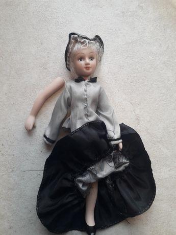 Porcelanowa lalka dla kolekcjonera. Do naprawy lub na części.