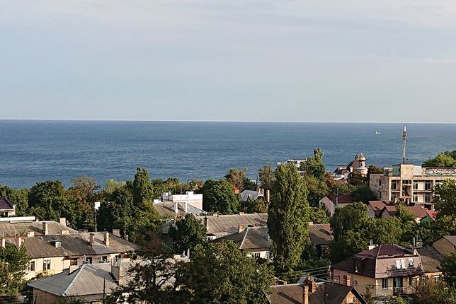 Сдам квартиру 1к + кухня студия Литературная Орион. Вид на море.