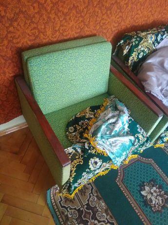 М'які крісла, диван шафа