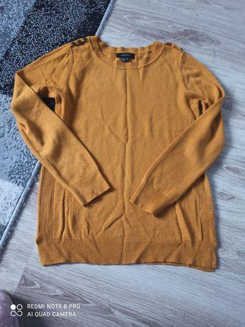 Sweterek w kolorze miodowym roz. 38