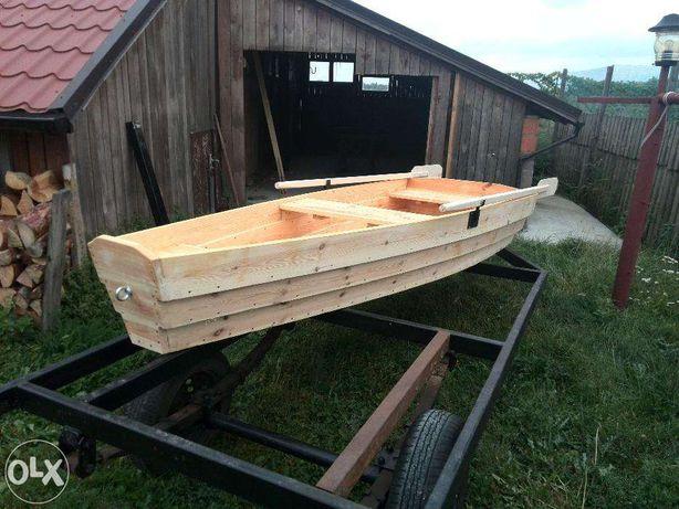 Łódka łódź drewniana wędkarska