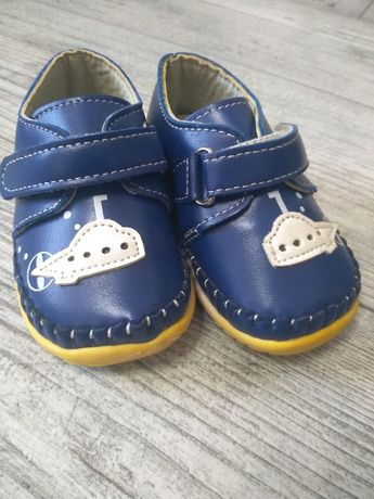Ботинки/кроссовки для мальчика 17р