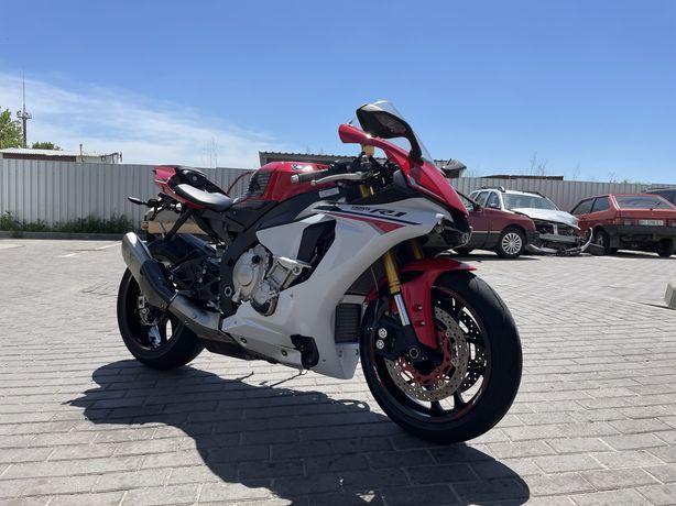 Yamaha R1,ямаха р1