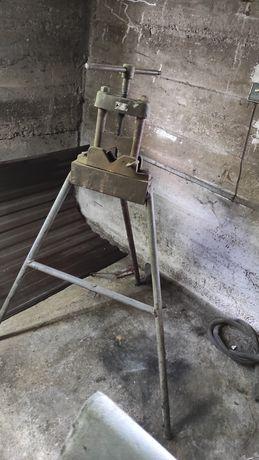 Stojak/Imadło do gwintowania rur stalowych