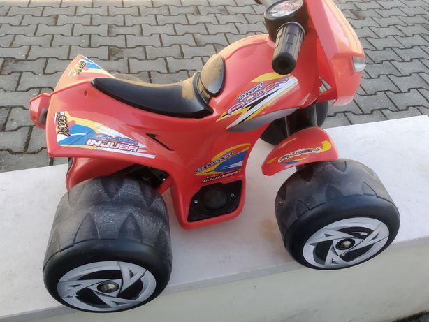 Moto 4 elétrica para criança