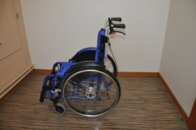 Wózek inwalidzki dziecięcy Otto Bock siedzisko 34 cm FAKTURA