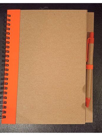 Блокнот із ручкою