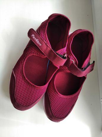 Кроссовки для девочки35 р