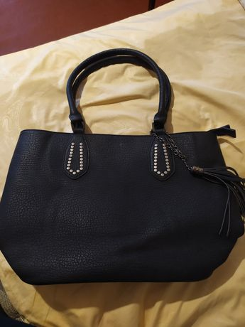 Продам сумку (черная) в хорошем состоянии