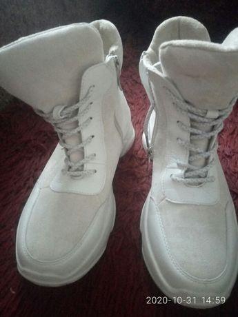 Кроссовки(кросівки)