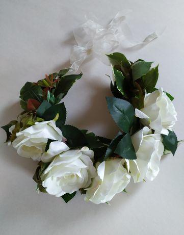 Wianek z róż dla Panny Młodej lub do sesji zdjęciowej