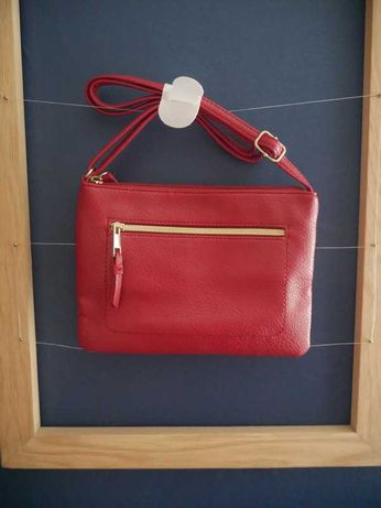 Mała torebka przez ramię Avon