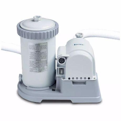 Картриджный фильтр насос для чистки бассейна Intex на 5678 л/ч