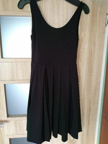 Modna, czarna sukienka H&M, r. 36