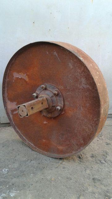 Колеса металлические со ступицами