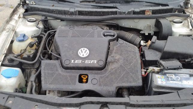 Pokrywa silnika Volkswagen Golf 4 1.6