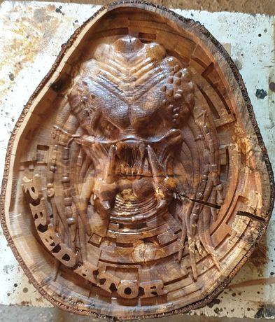 Картина дерев'яна різьблена Хижак ЧПУ