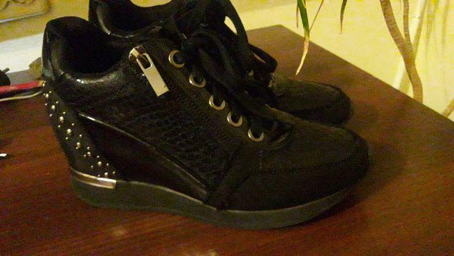 Кросівки снікерси черевички