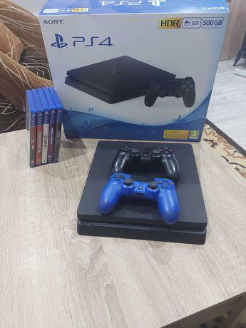 Sprzedam PlayStation 4 slim