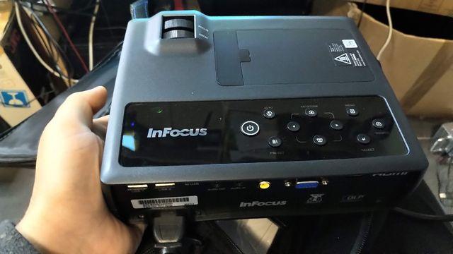 InFocus Projektor IN1118HD Projektor FHD 8 godzin pracy Gwarancja