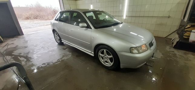 автомобиль аудиА3